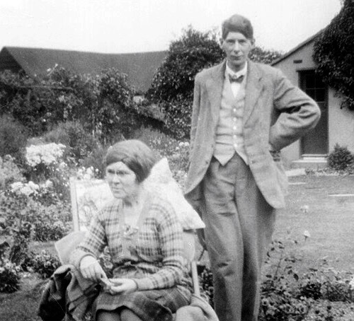 Dorothy Richardson with Alan Odle in Cornwall